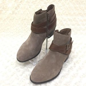 White Mountain Yonder Ankle  Boots Suede Leather